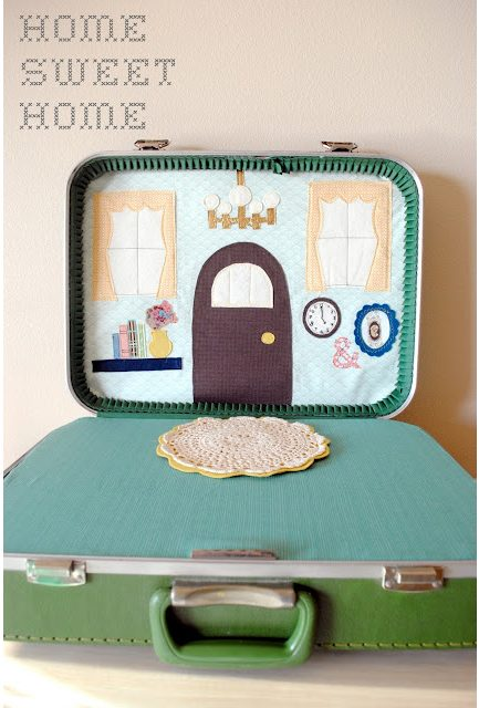 Retro Toy Love: Suitcase Dollhouse