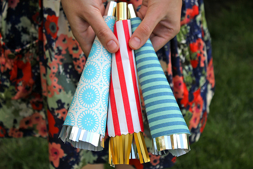 Outdoor Kid Activities - DIYs for the 4th of July