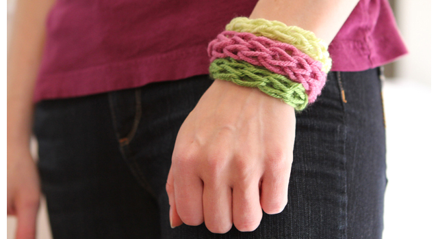 Finger Knitting For Kids : Summer fun for everyone finger knit bracelets modern