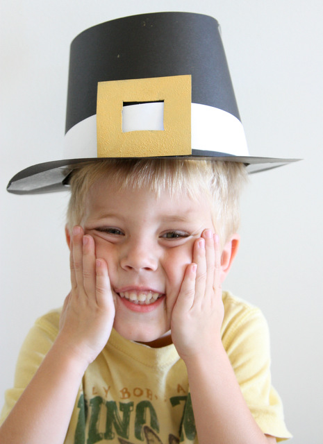 Thanksgiving day craft diy pilgrim hats modern parents messy kids img2285 solutioingenieria Image collections