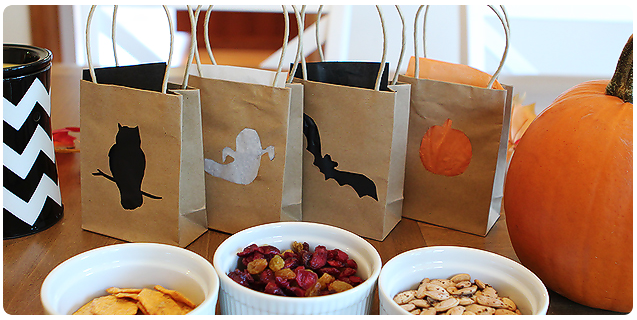 Use these cute bags as party favor that guests can fill with treats and then take home and use as luminaries