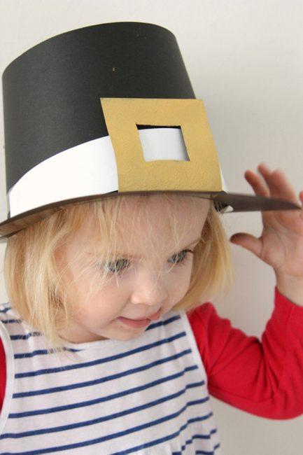 Thanksgiving Day Craft: DIY Pilgrim Hats