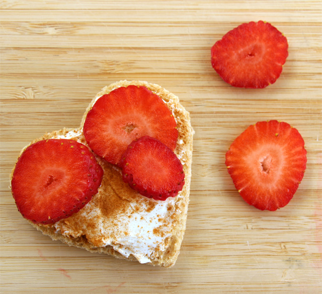 Homemade Strawberry cream cheese: 3 healthier Valentine snack ideas - yumm!