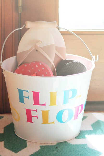 DIY Family Flip Flops Bucket