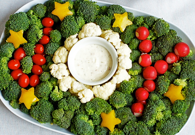 Christmas Veggie Tray.A Veggie Tray For The Holidays Modern Parents Messy Kids