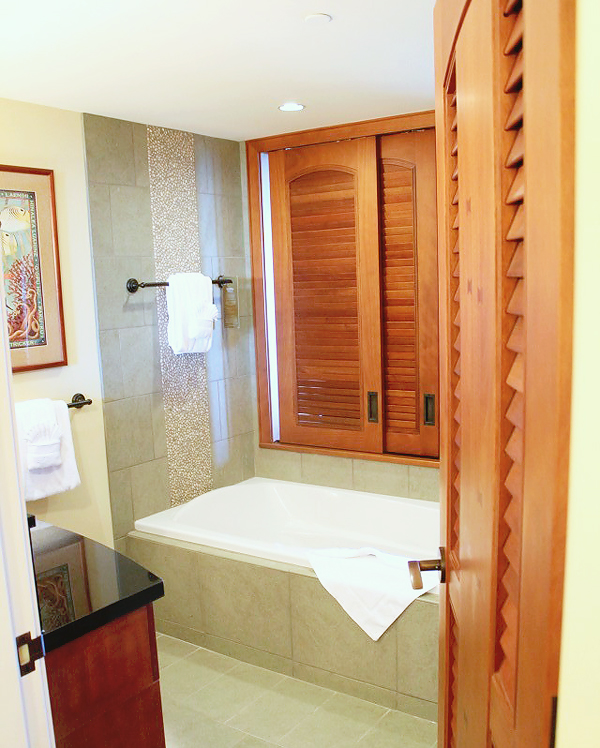 bath in one bedroom villa at Disney's Aulani Hawaiian Resort