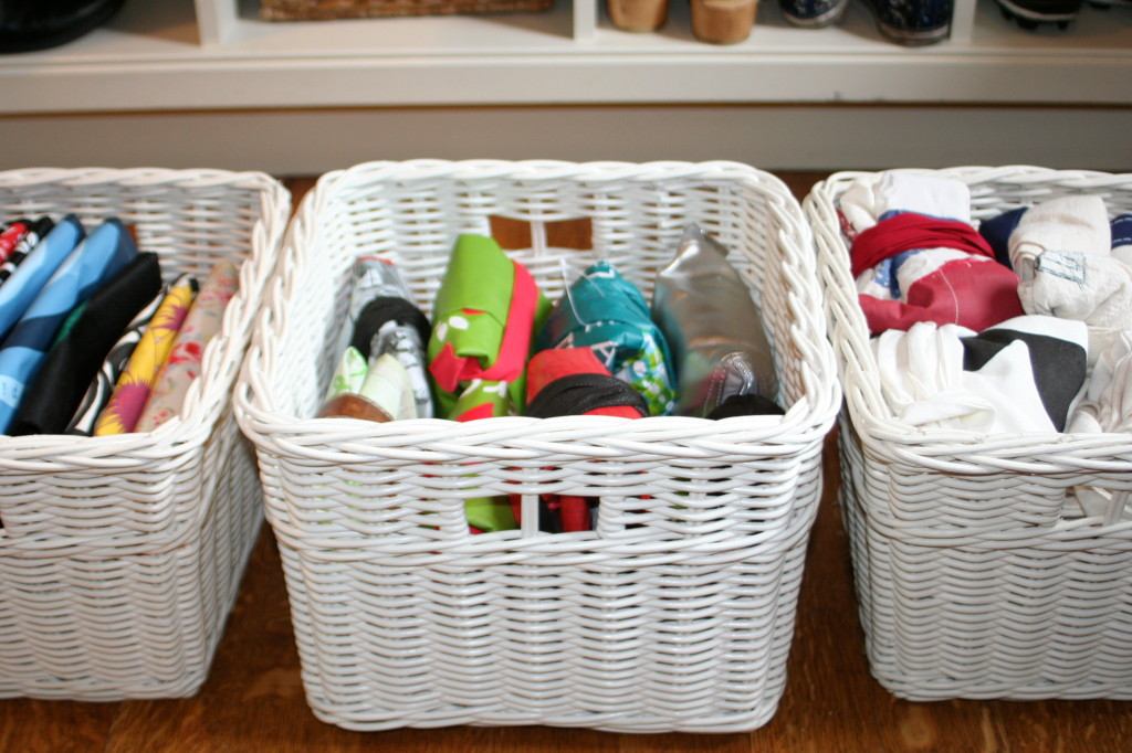 The best way to fold and store re-usable bags - this one tip has made a huge difference in my cupboards!