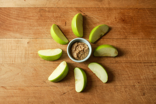 20 Healthy & Simple Kid-Friendly Kid Snacks - We've tried a lot of these and they've all been winners with the kids!