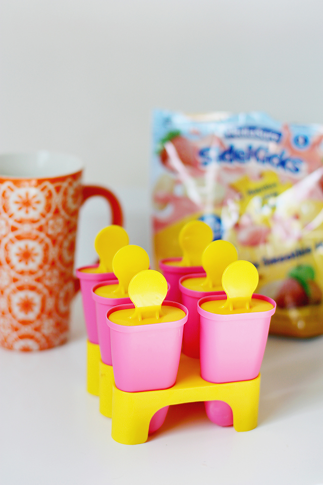 Delicious healthy popsicle recipe using fruits and veggies the kids will love! Yay, for nutritious snacks!