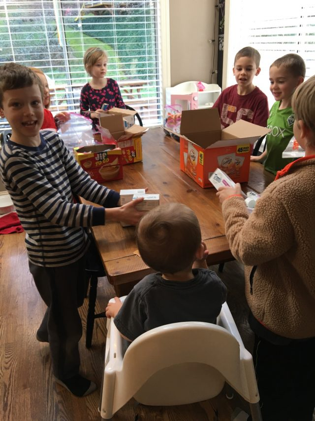 My favorite way to give back with kid - Blessing Bags!