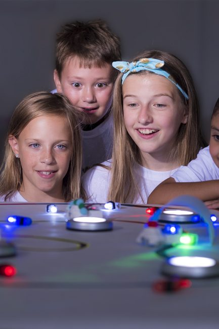 How Young Girls Can Close the STEM 'Gender Gap' this Summer